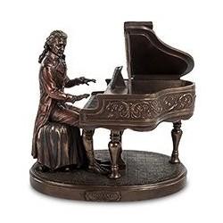 "Статуэтка ""Моцарт за роялем"""