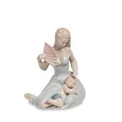 "Статуэтка ""Девушка с ребенком"""