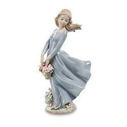 "Статуэтка девушка ""Поцелуй ветра"""
