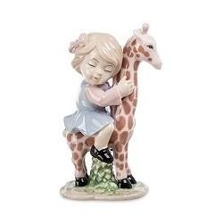 """Фигурка """"Девочка верхом на жирафе"""""""
