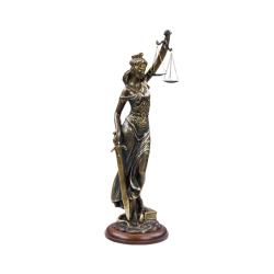 Фемида-4 (скульптура)