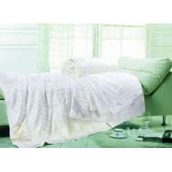 Одеяло шелковое 200*220